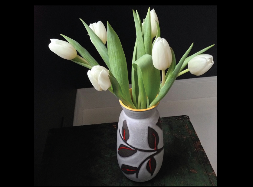 White-Tulips-in-a-Mid-Century-Modern-Ceramic-Vase